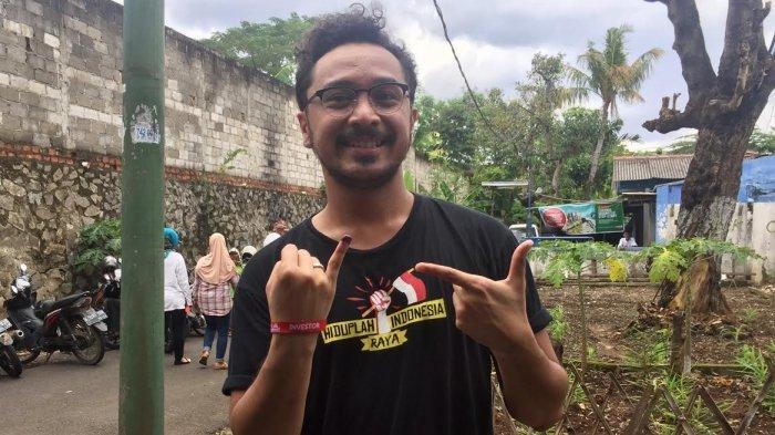 Giring Ganesha, vokalis band Nidji saat ditemui di TPS 64, Jalan Deplu VI, Pesanggrahan, Jakarta Selatan, Rabu (15/2/2017).