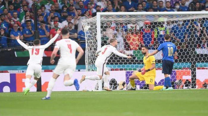 Gol cepat Luke Shaw berhasil membawa Inggris unggul sementara 1-0 atas Italia pada website UEFA Senin 12 Juli 2021.