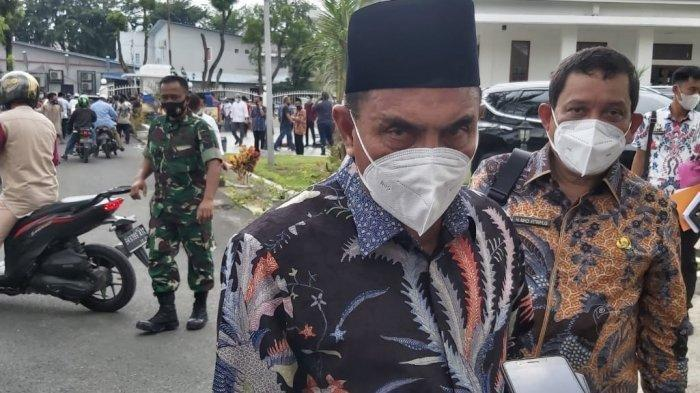 Gubernur Sumatera Utara Edy Rahmayadi ditemui seusai melaksanakan salat di Masjid Rumah Dinas, Jalan Sudirman, Kota Medan, Jumat (2/10/2020).