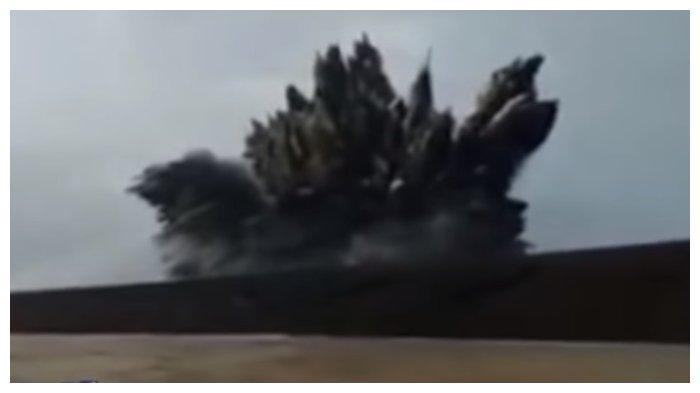 Video Detik-detik Gunung Anak Krakatau Erupsi, Tinggi Letusan Mencapai 500 Meter