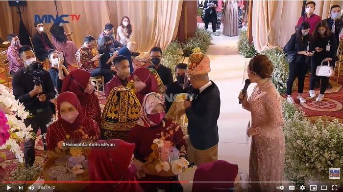 Hantaran lamaran Teuku Ryan untuk calon istrinya, Ria Ricis.