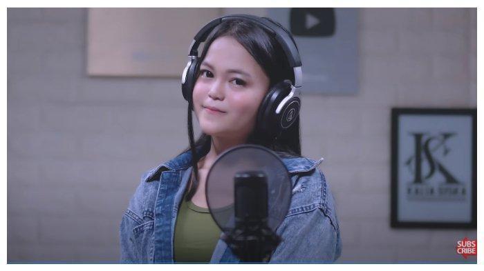 Lirik dan Chord Gitar Lagu Ku Puja Puja oleh Kalia Siska ft SKA 86, Sungguh Ku Terpuruk