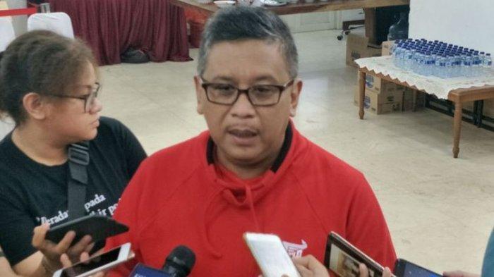 Sekretaris Tim Kampanye Nasional (TKN) pasangan Joko Widodo-Maruf Amin, Hasto Kristiyanto, saat ditemui di kantor DPP PDI-P, Menteng, Jakarta Pusat, Selasa (18/12/2018).