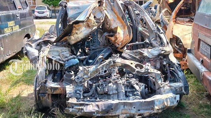 Detik-detik Kecelakaan Maut di Tol Sragen-Ngawi, Mobil Honda Jazz Hangus Terbakar, 1 Orang Tewas