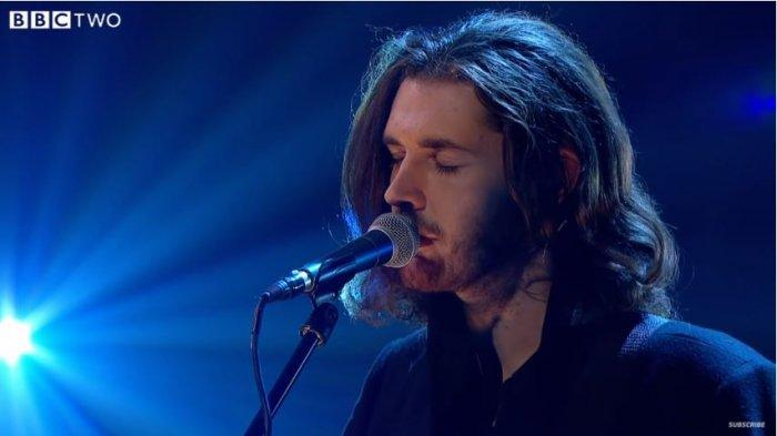 Kunci Gitar (Chord) dan Lirik Lagu Take Me To Church - Hozier, I'll Worship Like a Dog At The Shrine