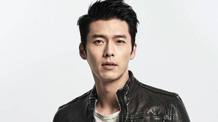 Potret Hyun Bin pemeran Kapten Ri Jeong Hyeok dalam film Crash Landing On You.
