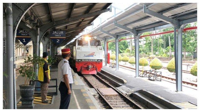 Kereta Api Mulai Beroperasi pada 12 Mei, Calon Penumpang Wajib Bawa Surat Izin Satgas Covid-19