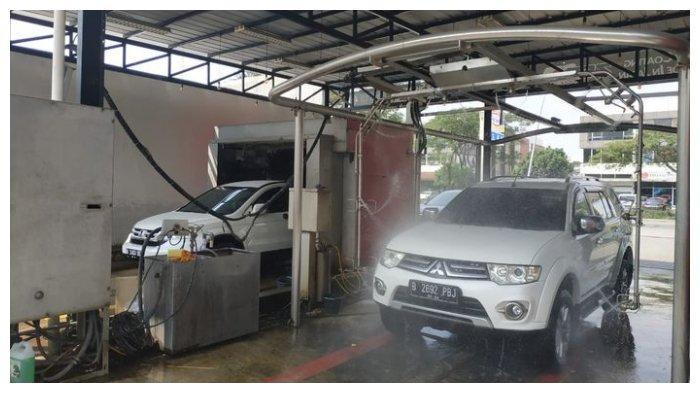 Beberapa Pantangan saat Mencuci Mobil, Perhatikan Bagian Mesin yang Tak Boleh Terkena Air