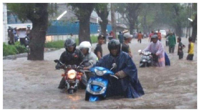 Motor Mogok saat Terjang Banjir, Berikut Penanganan Bijaknya