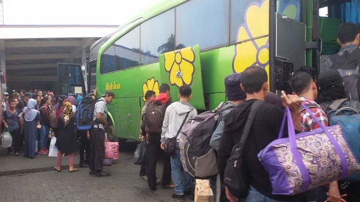 Tips Memilih Bus Agar Tetap Nyaman saat Perjalanan Mudik Lebaran