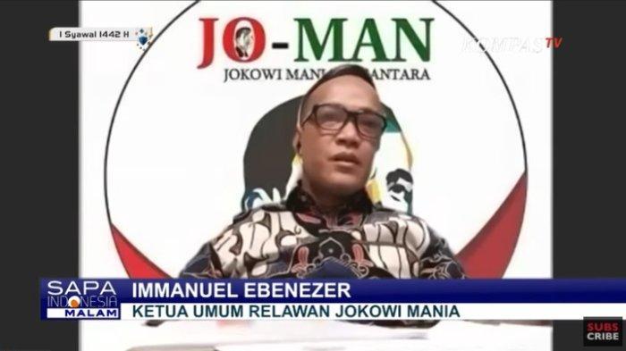 Ketua Relawan Jokowi Mania (Joman) Immanuel Ebenezer menanggapi polemik yang muncul karena video Presiden Joko Widodo (Jokowi) mempromosikan bipang (babi panggang), Sabtu (8/5/2021). Terbaru, Immanuel yang dulu menolak wacana presiden 3 periode kini ingin agar jabatan Jokowi diperpanjang.