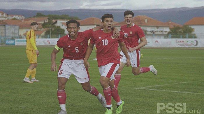Pemain Muda Keturunan Inggris Jebolan Lincoln City Berstatus Free Transfer: Persib Bandung Minat?