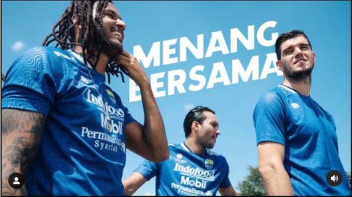 Jersey Persib Bandung di Liga 1 2021 pada postingan Instagram @persib pada 31 Agustus 2021.