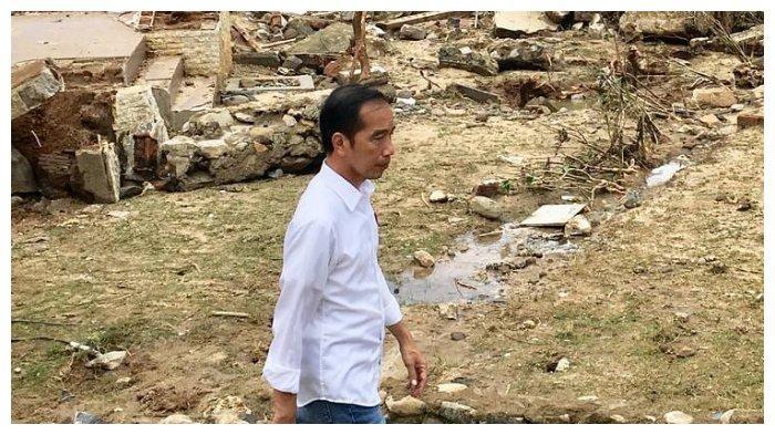 Kunjungi Lokasi Terdampak Tsunami Selat Sunda di Lampung Selatan, Ini yang Dilakukan Jokowi