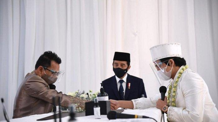 Presiden Joko Widodo (Jokowi) beserta Ibu Negara Iriana hadir pada acara akad nikah Titania Aurelie Nur Hermansyah (Aurel) dengan Muhammad Attamimi Halilintar (Atta). / Lukas - Biro Pers Sekretariat Presiden