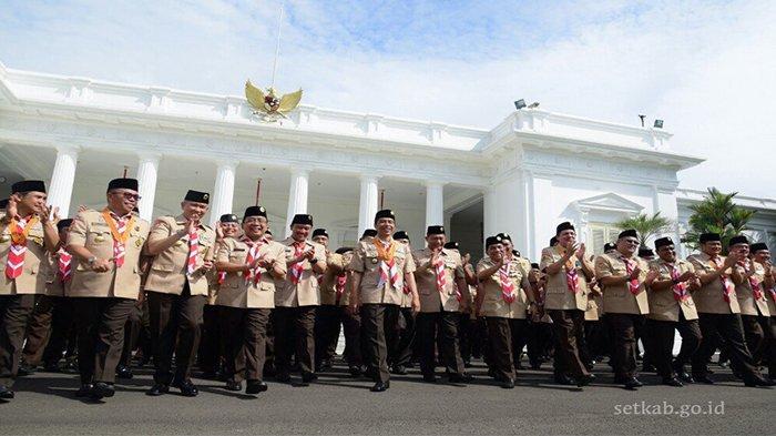 Setelah Melantik Pengurus Kwartir Nasional Pramuka, Jokowi Sempatkan Nge-Vlog Bareng