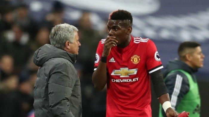 Tak Diberi Pertanyaan soal Paul Pogba, Jose Mourinho Langsung Sumringah dan Peluk Seorang Wartawan