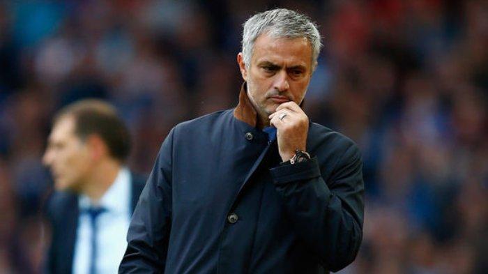 Para Pemain Manchester United Lelah dan Khawatir dengan Sikap Jose Mourinho yang Tak Menentu