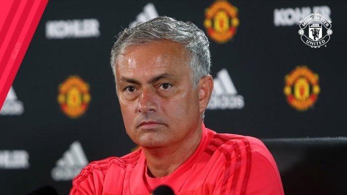 Pelatih Salahkan Pemain dan Manajemen, Paul Scholes: Jose Mourinho Memalukan Untuk MU