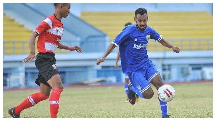 Pemain Muda Persib Bandung Julius Josel
