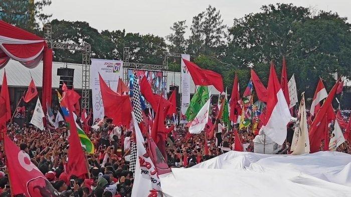 Kampanye akbar yang didatangi capres nomor urut 01 Jokowi di Stadion Sriwedari, Kecamatan Laweyan, Solo, Selasa (9/4/2019).