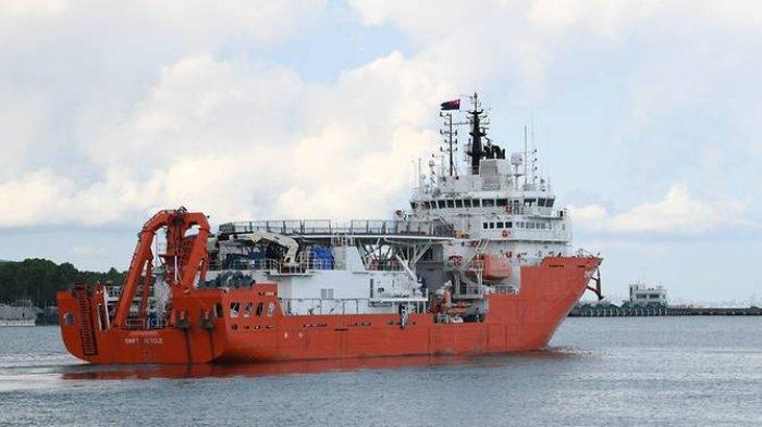 Kapal penyelamat Singapura MV Swift Rescue saat berangkat dari Pangkalan Angkatan Laut Changi menuju Bali dalam misi penyelamatan KRI Nanggala 402, Kamis (22/4/2021).