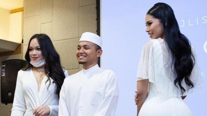 Viral Ustaz di <a href='https://manado.tribunnews.com/tag/malaysia' title='Malaysia'>Malaysia</a> Foto Bareng Selebgram Seksi, Terjadi seusai Memberikan Ceramah