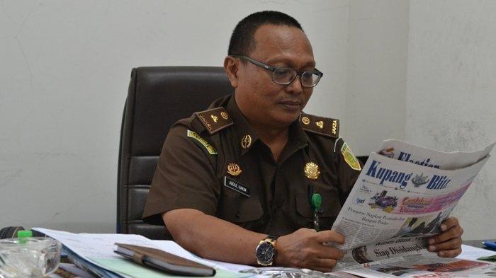 Kasi Penkum Kejati NTT Abdul Hakim berbicara soal  Kejaksaan Tinggi Nusa Tenggara Timur (NTT) atas kasus pengalihan aset tanah seluas 30 hektar di Labuan Bajo, Manggarai Barat, NTT.