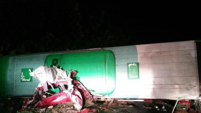 Kecelakaan beruntun terjadi di Kilometer 150 ruas jalan tol Cikopo, Senin (17/6/2019). 12 Orang dikabarkan tewas dalam kecelakaan ini.