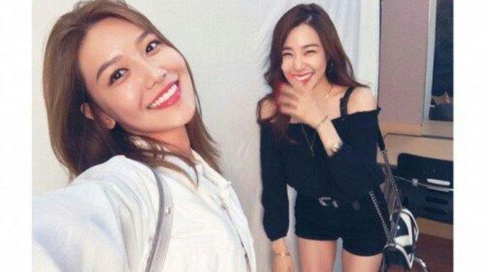 Kedekatan Sooyoung dan Tiffany SNSD.