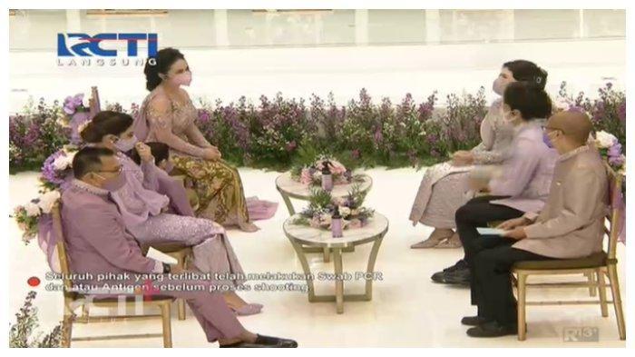 Keluarga Anang Hermansyah berhadapan dengan keluarga Atta Halilintar di acara lamaran Aurel, Sabtu (13/3/2021).