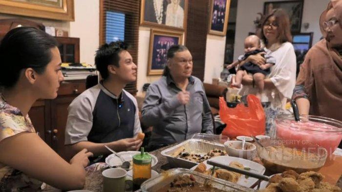 Malam Takbir Bareng Keluarga Besar, Baim Wong Kenang Takbiran Masa Kecil: Lempar Petasan di Warung