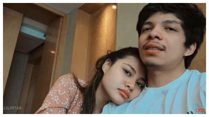 Kemesraan Atta Halilintar dan Aurel Hermansyah di hari peryama jadi pasangan suami istri.