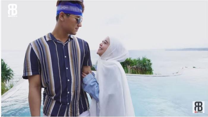 Kemesraan Rizky Billar dan Lesti Kejora saat liburan bersama di Sumba, Nusa Tenggara Barat, diunggah Jumat (15/1/2021).