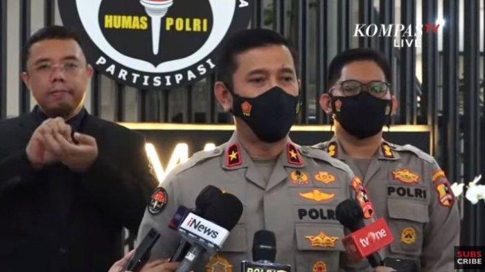 Kepala Biro Penerangan Masyarakat Divisi Humas Polri Brigjen Pol Rusdi Hartono menjelaskan soal penangkapan YouTuber dengan nama akun Muhammad Kece, Rabu (25/8/2021).