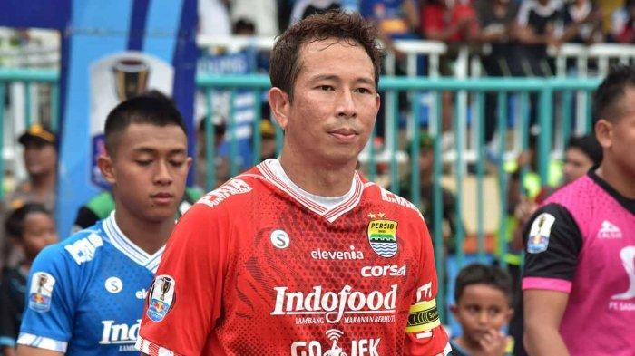 Kiper Persib Bandung, I Made Wirawan saat tampil melawan Persiwa Wamena pada Minggu (27/1/2019)