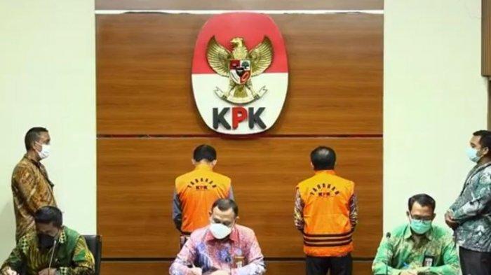 Komisi Pemberantasan Korupsi (KPK) menetapkan Bupati Banjarnegara Budhi Sarwono sebagai tersangka dalam kasus dugaan korupsi terkait pengadaan barang dan jasa di Pemerintah Kabupaten Banjarnegara Tahun 2017-2018. pada Jumat (3/9/2021).