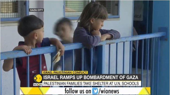 Kondisi anak-anak pengungsi dari Gaza, Palestina di lokasi sekolah PBB yang digunakan sebagai tempat perlindungan, Sabtu (15/5/2021).
