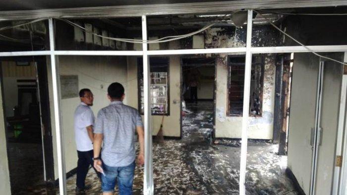 Ini Rentetan Penyerangan Massa yang Serang Polsek Ciracas, Rusak Markas, Rumah hingga Bakar 17 Mobil