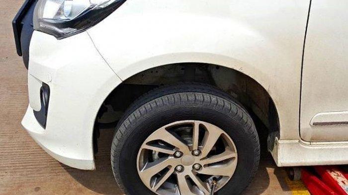 Ban Mobil Tiba-tiba Pecah? Lebih Baik Tambah Gas daripada Injak Rem, Ini Penjelasannya