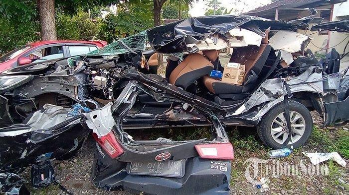 Mobil Toyota Tabrak Truk di Ruas Tol Solo-Semarang sebabkan 2 Orang Meninggal, Berikut Kronologinya