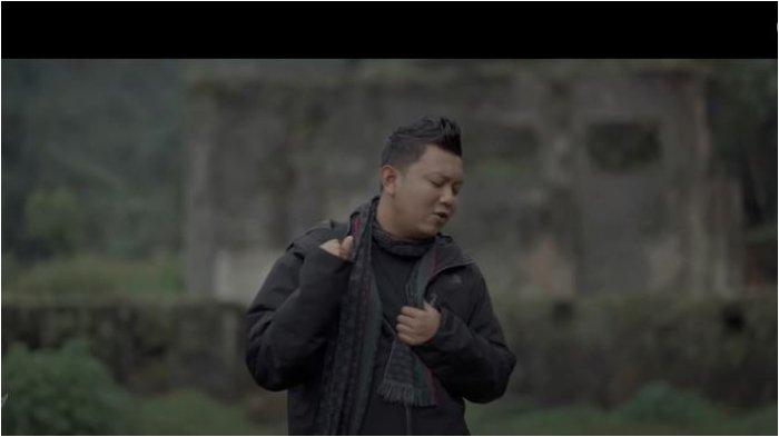 Kunci (Chord) Gitar dan Lirik Lagu Gak Pernah Cukup - Denny Caknan: Sakjane Atimu sing Tak Enteni