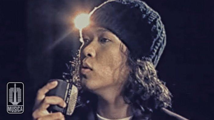 Kunci (Chord) Gitar dan Lirik Lagu Sandaran Hati - Letto, Lagu Hits Anak 90an