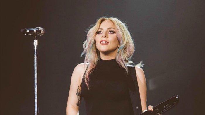 Mencengangkan! Biasa Tampil dengan Make Up, Begini Wajah Sesungguhnya Lady Gaga!