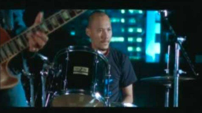 Kunci (Chord) Gitar dan Lirik Lagu Semua Tak Sama - Padi, Cukup Sudah Ku Tertahan