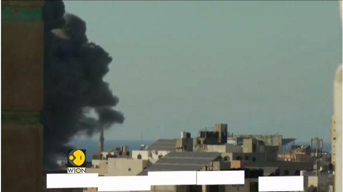 Ledakan yang masih terus terjadi di Gaza, Palestina, akibat serangan dari Israel, Sabtu (15/5/2021).