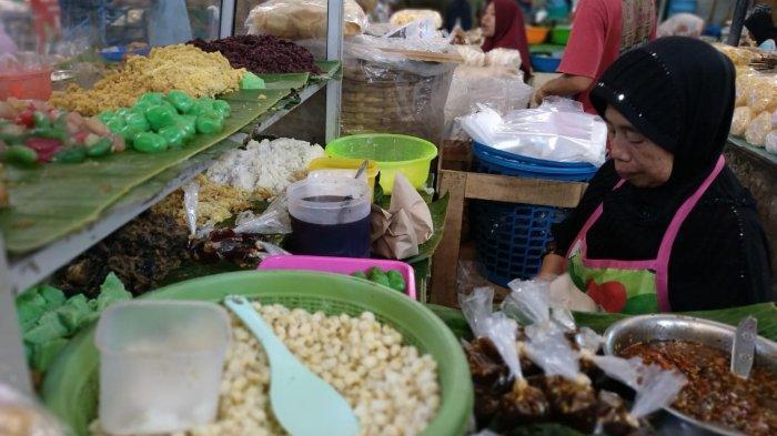 Mencicipi Nikmatnya Lenjongan, Jajanan Pasar yang Hanya Bisa Ditemukan di Solo