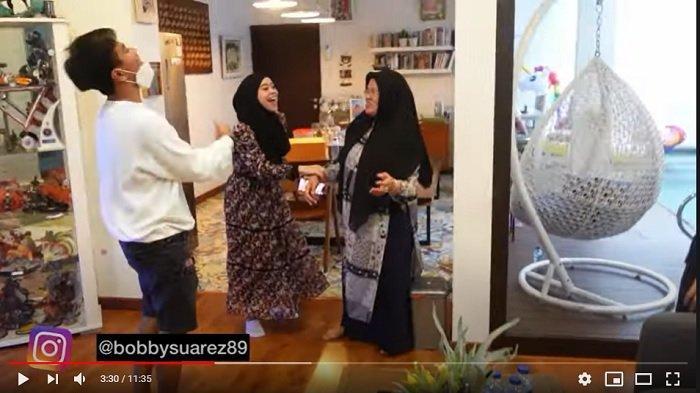 Lesti Kejora kepergok sedang mencari perhatian ibunda artis Rizky Billar, Rosmala Dewi.