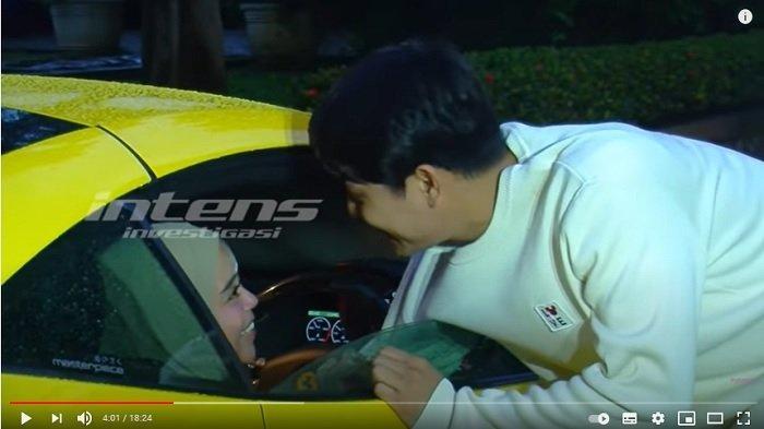 Lesti Kejora membuat lecet mobil sport Rizky Billar
