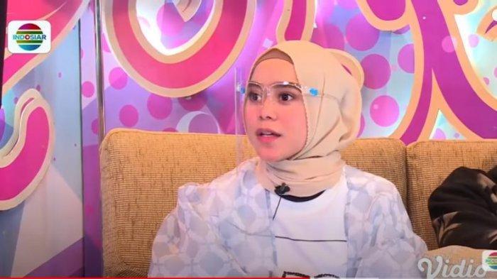 Lesti Andrayani dalam acara 'Lesti dan Billar blak-blakan' di Indosiar, Rabu (30/9/2020), Lesti bercerita soal kegagalan cinta pertamanya yang membuat ia trauma.